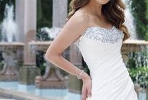Lissette Wedding Ideas / Wedding dresses rings decor