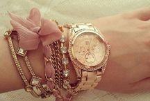 Jewellery-bracelets
