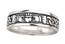Claddagh  / I love these rings!