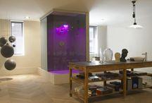 Suite en Tribeca. Casa Decor Madrid 2008 by Barasona / Porque el orden ha cambiado; no solo el baño no se oculta sino que se destaca, llegando a ser el núcleo central del proyecto.  Esta Suite rompe barreras.
