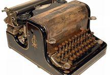 MÁQUINAS DE ESCRIBIR ANTIGUAS / Máquinas de escribir desde finales del siglo xIX hasta  los dos primeros tercios del xiglo XX, de todas las marcas, y países.