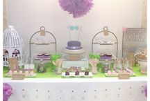 Mesa dulce verde y morado / Una mesa dulce muy alegre combinando el verde y el morado repleta de detalles