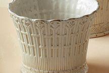 Maceteros, jardineras y paragüeros. / Exquisitos y elegantes maceteros, jardineras y paragüeros de cerámica de alta calidad y cuidado diseño. Tanto de diseños modernos como clásicos.