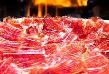Iberischer Schinken / Der Ecogourmet Shop verkauft keine Produkte von Tieren, die in Mastanlagen eingepfercht waren undoder die mit schnell fett machenden, verarbeiteten Lebensmitteln gefüttert wurden, deshalb haben wir keine künstlich gemästeten Schinken.