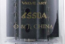 Vacuum tubes / Glass, metal and greeble