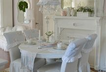Shabby style and living in a cottage