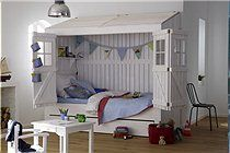 Kids rooms / by Lindsey {Simply Stylish}