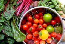 Salads & Clean Eating / by Tamara-Lynn St-Pierre
