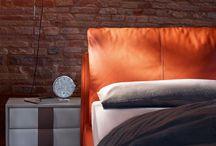 Stanza da letto / Linee dal fascino senza tempo, elementi d'arredo contemporanei e grandi proposte di design, queste sono le caratteristiche dei prodotti selezionati da Spazio360Firenze per impreziosire il cuore della casa.