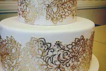Soft Lace & Gold Glam Wedding