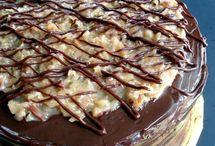 Food... CAKE / by Sarah Martina Parker