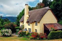 COTTAGES / by happy mom