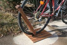 Cykelskur og rygeområde