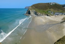 Porthtowan Beach Houses / Cornwall is by far the most popular summer time destination for British holiday makers.  With so many accommodation options it can be tough to know where to stay. But how about in a 5* landmark beach house less than 10 minutes from the beach..... Sound good? We thought so too!
