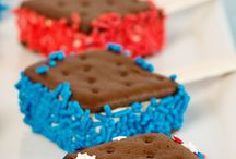 The Best Patriotic Projects / Red, white and blue crafts and recipes to help you celebrate! (Patriotic crafts, red, white and blue recipes and sewing projects)