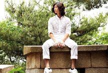 Сон Чже Рим / Сон Чэ Рим - южнокорейский актер и модель. Он родился 18 февраля 1985 года в Сеуле, Южная Корея. Он известен ролями в таких фильмах и дорамах, как: Маникюрный салон Париж, Эпоха чувств и Подозреваемый.