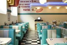 American Diner Kitchen Inspiration / Creating an American Diner theme in my future Kitchen. Retro inspired artwork, 50s diner colour schemes. Corner Booth Dining Ideas and more home decor fun.