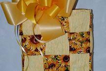 Handmade gift baskets / by Dolly Bellamy
