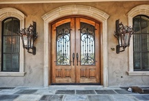 Beautiful Doors I Would Love To Knock On / by Suzanne Sheldon