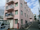 SAKURA HOTEL in Tokyo, Japan / Cozy and affordable hotels, with and helpful multilingual staff more than willing to help you out in your exploration of Tokyo and the rest of Japan, located in Ikebukuro, Hatagaya and Jimbocho.   => http://www.sakura-hotel.co.jp