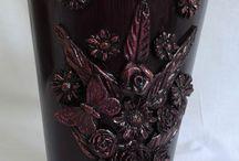 Vase decorate with cold porcelain details