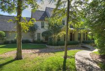 7235 River Place, College Station, Texas / 4 Bed - 4 Bath - 4.3 Acres - 4,550 sf - Barn - Horse Stalls - Media Room - Study - Grainte - Hard Wood - Butler's Pantry  www.lonestarbcs.com for more info
