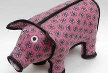 Piggy Pet Bed / Home / Toy