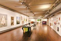 Ann's Art, galerie & kunstuitleen / In onze galerie organiseren wij zo'n 8 solo- of duo-exposities per jaar. Verder hebben we veel werk in stock, dat je kunt kopen of lenen.