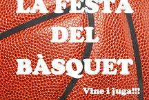 26-6-2014: Festa del Bàsquet / Dijous 26 de juny, a les 18:30 h, l'EB l'Olleria va fer un desplegament de cistelles al Parc Beat Ferreres per tal que tots els xiquets i totes les xiquetes que ho desitjaren pogueren gaudir d'una vesprada de bàsquet, bé per seguir practicant-lo, bé per conéixer-lo. Gent de totes les edats ens acompanyaren, com podeu veure en les fotos. Gràcies pel vostre suport!
