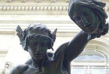 statue/sculpture