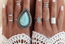 Cochella nails art / by Julie Lalinne