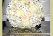 White Weddings / Beautiful and elegant white wedding flowers.