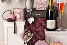Luxury Christmas gifts / Luxury gift items for Christmas.