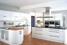 White Kitchens / A collections of some of the best looking white kitchen designs around