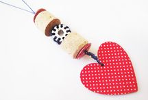 CORKS, BUTTONS, BOBBINS / Necklaces and earrings