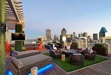 """Les plus belles terrasses suspendues  / """" Le paradis, c'est d'être assis à la terrasse un soir d'été et d'écouter le silence ."""" Beaucoup d'entre nous, la terrasse est un élément essentiel dans leur espace de vie quotidienne . www.tafdeco.com"""