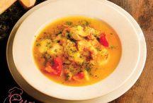 Supe şi creme / Supele şi cremele sunt nişte preparate care de obicei înlocuiesc felul întâi la prânz sau la cină. Acestea sunt în general preparate cu ingrediente diverse în funcţie de sezon datorită faptului că se recomandă mereu folosirea de legume proaspete. Pe vremuri erau considerate mâncăruri ale săracilor deoarece aveau ingrediente ieftine si accesibile oamenilor de rând dar erau servite şi pe mesele persoanelor mai avute adăugându-le cărnuri şi peşte.