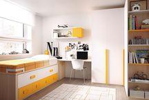 Dormitorios juveniles / Habitaciones juveniles de estilo moderno, clásico, vintage, con dos camas, litera, cuna, cuna convertible, módulo compacto, mesa y silla de estudio.