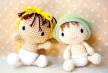 Tiny crochet dolls