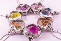 Öltözz velük tavaszba! Csodás nyakláncok <3 / Vidám tavaszi nyaklánc, szárított virágokkal!