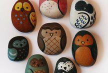 búhos piedras acrílico