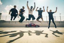 Experience 1. Dubai Autodrome / De eerste experience van de studiereis betreft een bezoek aan de Dubai Autodrome! Dit moderne circuit wordt regelmatig aangedaan door de beste racers van over de hele wereld! Tijdens onze studiereis gaan we een bezoek brengen aan dit wereldberoemde circuit en gaan we onderzoeken hoe de evenementen georganiseerd worden. Als de tijd en bezetting het toelaat kruipen we zelf in de bestuurdersstoel en ervaren we hoe het is om met hoge snelheid over de baan te scheuren. #3MTT #NHTV