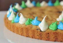 Yummy Treats & Desserts / by Jessica Quigley-Oyen