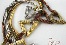 šitý šperk / nápdy