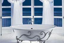 Bathing Beauties / Bathtubs