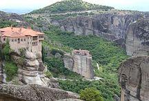 #LOS MONASTERIOS DE METEORA / Ingeniería de altura. Los monasterios están construídos a 600 metros de altitud, por los monjes ortodoxos.
