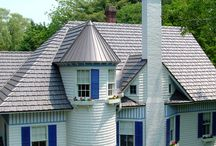 Classic Homes in North Carolina / Our Oxford Shingle Metal Roofing System has a low profile that emulates the classic and clean look of architectural shingles or slate, but with long-lasting beauty and energy efficiency that no other material can match. View more examples of the Classic Oxford Shingle in our website gallery.