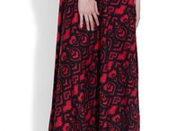 Cotton Printed Skirts- Women / Have a look at these designer printed skirts and you will not be able to resist these darling designs. From novelty prints to flirty floral, our traditional printed skirts are made just to be in every women's closet.