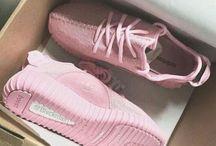 Aθετικά παπουτσια