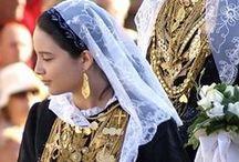 Ελληνική  Παραδοσιακή Ενδυμασία /  Παραδοσιακές στολές της Ελλαδας Traditional costumes of Hellas